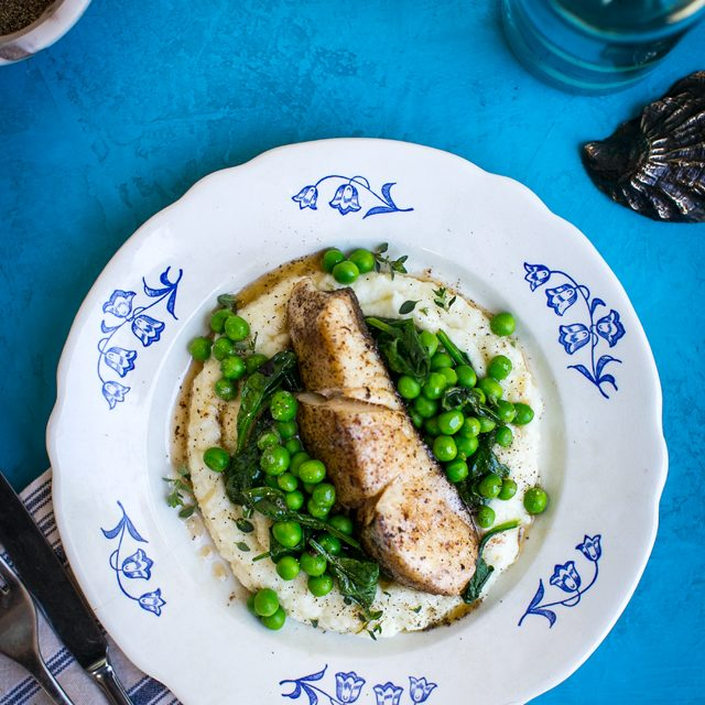 Pan Fried Fish with Cauliflower Mash & Garden Peas