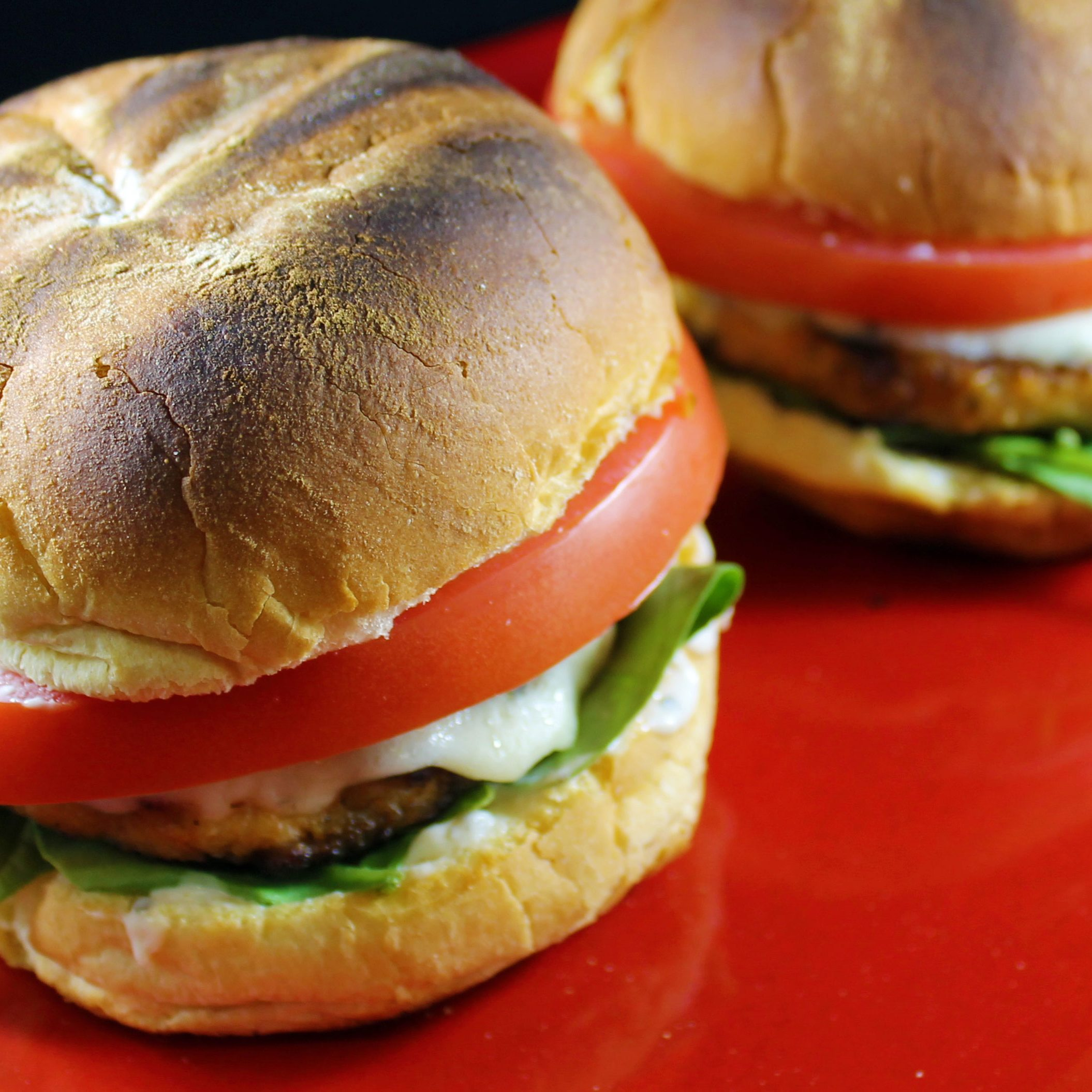 cooked-salmon-burgers03-web