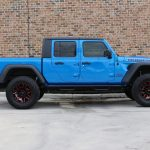 2020 gladiator jt blue rubicon right side angle