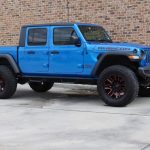 2020 gladiator jt blue rubicon right front angle