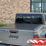 2020 JT Gladiator 2.5″ Rough Country lift Rough Country tonneau cover