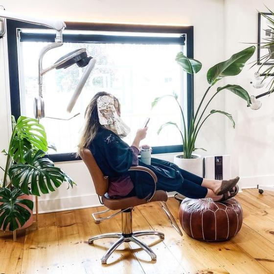 Kaemark American-made Salon Styling Chair