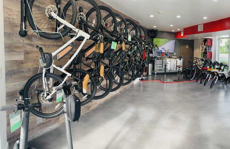 vene-rides-front-store02