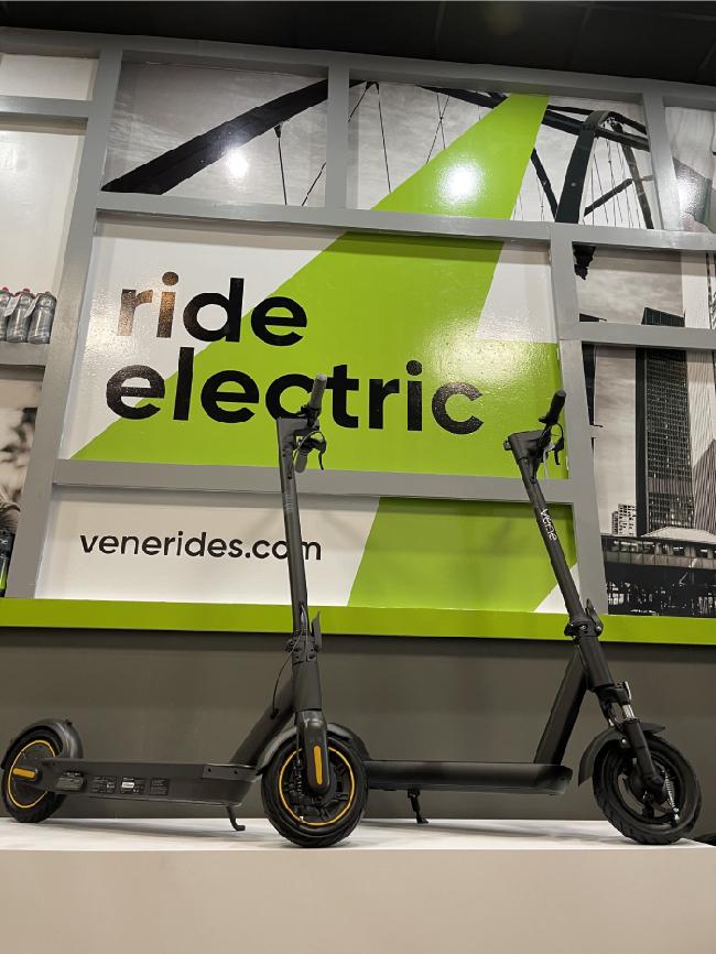 Vene Rides Chicago (2)