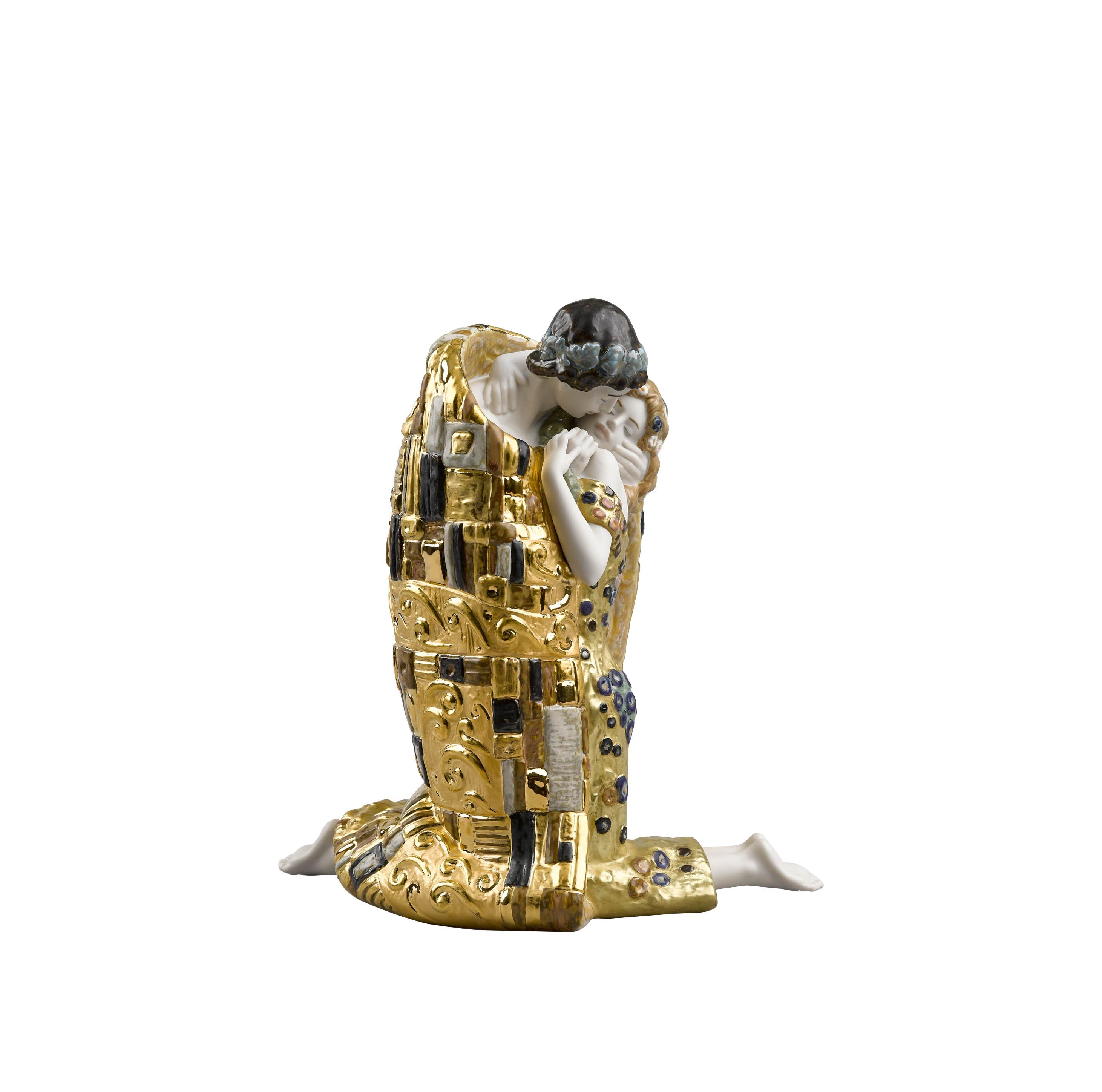 akireh-lladrò-the-kiss-couple-golden-luster-1